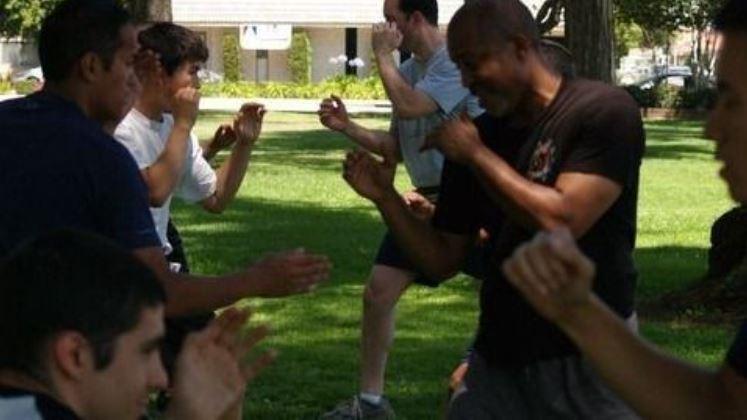 Art of Fighting – Men's Street Combatives & Self-Defense